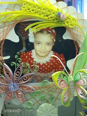 импровизированная рамка для фото дочери)