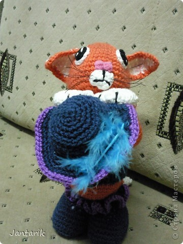 """Котик сделан по МК LIUVALENSIA, напоминает кота из мультфильма"""" Шрек"""", помните там был такой просящий. фото 1"""