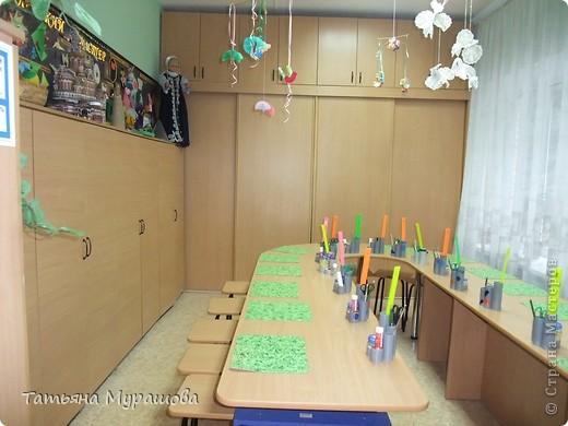 Мой рабочий кабинет.  Летом заменили стол и детские табуреты, поставили пластиковые окна и сделали косметический ремонт стен и потолка. Несколько дней отпуска ушло для наведения порядка,но результат меня радует. Хочу поделиться  со всеми своей радостью.  фото 1