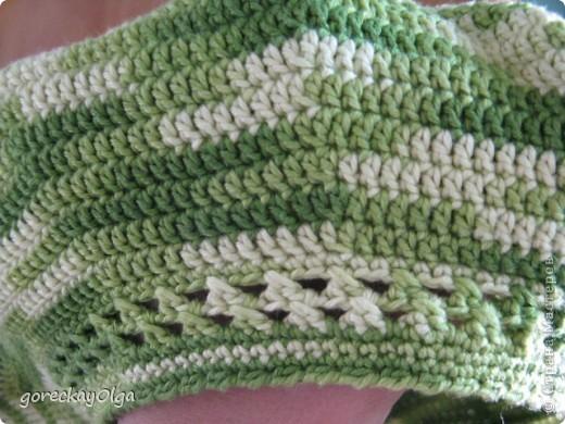 Беретик для племянницы под жёлтый плащ и зелёные ботики.  фото 1
