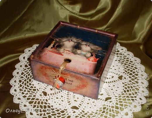 Увидела рисунок художника Xenopus с милым чаепитием котиков и родилась идея сделать с ними чайную коробку. фото 1
