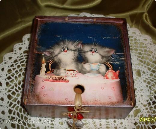 Увидела рисунок художника Xenopus с милым чаепитием котиков и родилась идея сделать с ними чайную коробку. фото 2