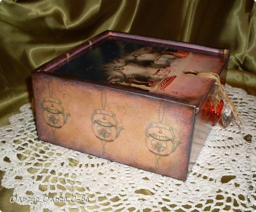 Увидела рисунок художника Xenopus с милым чаепитием котиков и родилась идея сделать с ними чайную коробку. фото 3