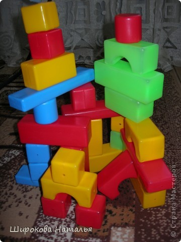 Наверно многих мам заботит порядок в детской. Этот коробок поможет сохранить порядок и сам станет игрушкой фото 2