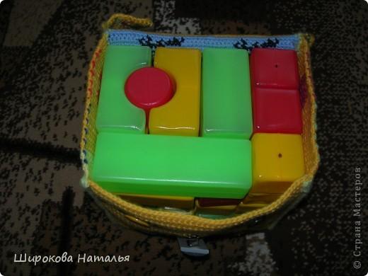 Наверно многих мам заботит порядок в детской. Этот коробок поможет сохранить порядок и сам станет игрушкой фото 4