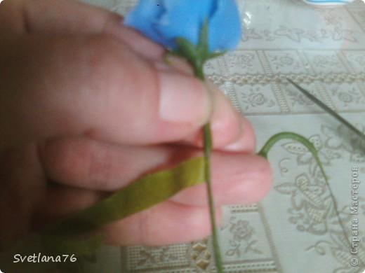 Лепим три листочки меньшего размера чем основные. фото 8