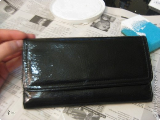 Это - обложка для электронной книги и кошелёк , делала для сестры, салфеточки из которых делать выбирала она сама  , а за салфеточки большое спасибо Ирине  http://stranamasterov.ru/user/48665 фото 3