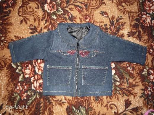 Джинсовая куртка на подкладе. Сшито из маминых джинс.