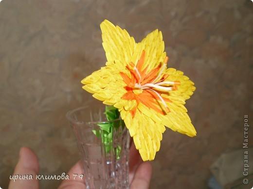 насмотрелась на красивые лилии и решила попробовать сделать такой цветочек. фото 3