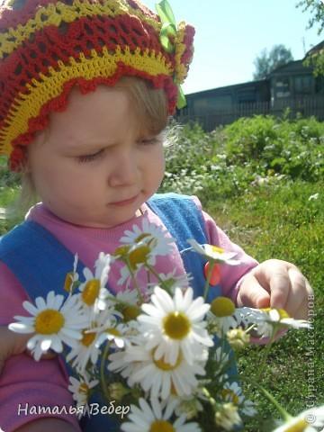 Наша Софья в этом году идёт в детский садик(эх,волшебная пора,я надеюсь, будет!!!!)Вот предложила расписать лестницу,ведущую в раздевалку,а то какая-то она просто белая,а теперь веселенькая(мне кажется),со странными котиками-забияками! фото 16