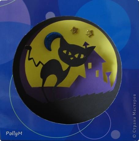 А нынче ночью я пойду гулять По крышам, притворяясь кошкой черной...