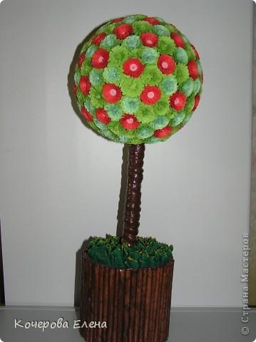 Увидела на вашем сайте дерево из бумаги и очень захотела сделать что-то похожее. Вот какое деревце получилось. фото 1