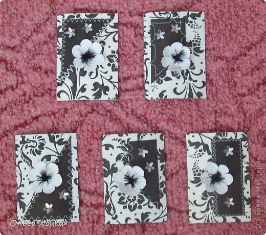 Цветки делала сама, поэтому хочу немного о них расказать, может кому-то пригодится. У меня упрощенный вариант. А вот более профессиональный МК http://asti-n.ya.ru/replies.xml?item_no=358 фото 4