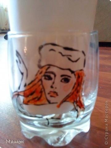 понадобилось:прозрачный стакан,витражные краски,зубочистка.. фото 4