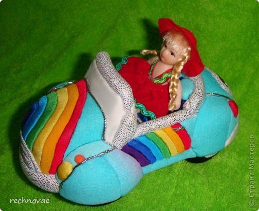 Вот такой автомобильчик я придумала сделать для нашей куколки (рост 7 см). фото 1
