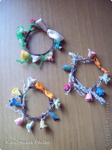 Пасхальное украшение. Яйца украшены бабочками, а также для каждого из них выполнена подставка. (См.фото ниже) фото 2