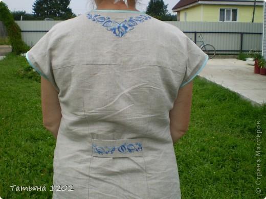 Костюм льняной.очень красиво смотрится на нем вышивка гладью. фото 4