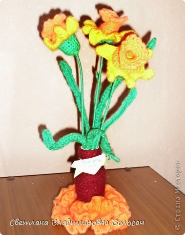 Вот такие цветочки детвора связала еще год, два назад... фото 6