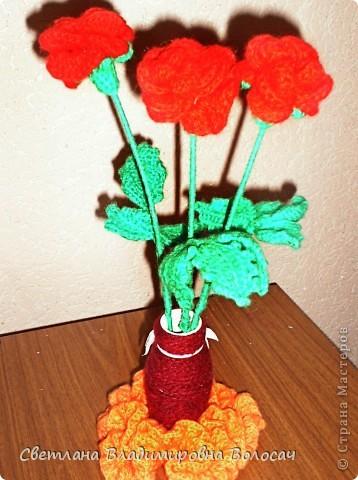 Вот такие цветочки детвора связала еще год, два назад... фото 5