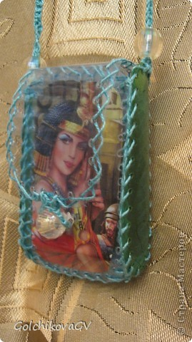 Чехол для телефона, сделанный из пластиковой бутылки - легкий и удобный. фото 3