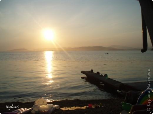отдыхали у племянницы на даче неделю,у нее море почти на порог подбегает))) вот такой красивый закат на море фото 2