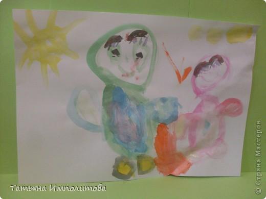 Небольшой отчет о том как мы проводим лето. Моя Варвара(1,10) и соседка Анечка (1,2)лепят из солёного теста фото 10