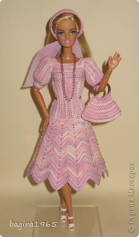 """Первые два весенних комплекта (розовый и бирюзовый) вязались в рамках игры """"Сюрприз"""" на сайте Кимберли.  Они сфотографированы и отправлены к своей новой хозяйке. Первый представляет куколка, которой у меня уже нет. фото 7"""