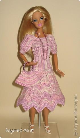 """Первые два весенних комплекта (розовый и бирюзовый) вязались в рамках игры """"Сюрприз"""" на сайте Кимберли.  Они сфотографированы и отправлены к своей новой хозяйке. Первый представляет куколка, которой у меня уже нет. фото 9"""
