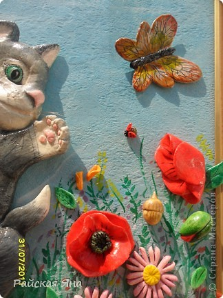 Нашла в инете фото очень понравилось решила сделать картину. Котенок 20 см, фон под стеклом рисовала на куске обои, + рамка. фото 15