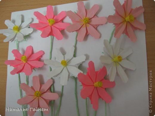 Кусочек лета своими руками.Кустик неувядающих цветов у себя дома. Как давно я мечтала сделать космеи - оригами.Ура они теперь со мной рядом. фото 10