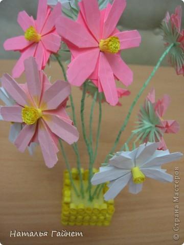 Кусочек лета своими руками.Кустик неувядающих цветов у себя дома. Как давно я мечтала сделать космеи - оригами.Ура они теперь со мной рядом. фото 24