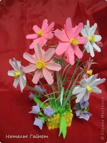 Кусочек лета своими руками.Кустик неувядающих цветов у себя дома. Как давно я мечтала сделать космеи - оригами.Ура они теперь со мной рядом. фото 26