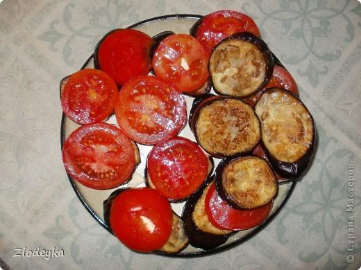 Здравствуйте уважаемые Мастера!Предлагаю Вам рецепты блюд которые любят в нашей семье.Всё делала в один день и по этому всё вместе.Итак,начнём))Вот овощи из которых я буду готовить,всё брала на глаз фото 16