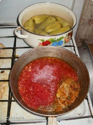 Здравствуйте уважаемые Мастера!Предлагаю Вам рецепты блюд которые любят в нашей семье.Всё делала в один день и по этому всё вместе.Итак,начнём))Вот овощи из которых я буду готовить,всё брала на глаз фото 31