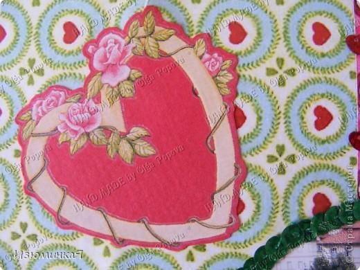 Это коробочка, в которой любимый получил свой подарок :) Украшения - атласные ленты и квиллинговый цветочек. фото 27