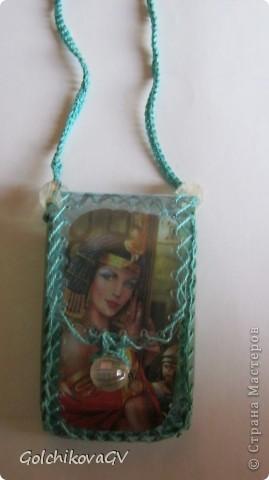 Чехол для телефона, сделанный из пластиковой бутылки - легкий и удобный. фото 2