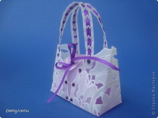 Здравствуйте всем, кто зашел в гости! Представляю Вашему вниманию сумочку для небольшого подарка или как сувенир. Вид спереди фото 4