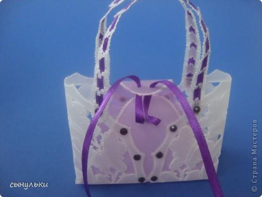 Здравствуйте всем, кто зашел в гости! Представляю Вашему вниманию сумочку для небольшого подарка или как сувенир. Вид спереди фото 5