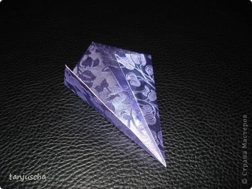 На выходных осваивала оригами. Давно поняла что оригами это не моё поэтому для меня эти звёздочки маленькая победа. Так как они делаются очень легко решила сделать МК.Может кому пригодится фото 6