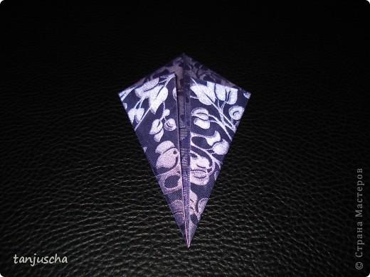 На выходных осваивала оригами. Давно поняла что оригами это не моё поэтому для меня эти звёздочки маленькая победа. Так как они делаются очень легко решила сделать МК.Может кому пригодится фото 7