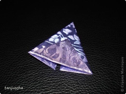 На выходных осваивала оригами. Давно поняла что оригами это не моё поэтому для меня эти звёздочки маленькая победа. Так как они делаются очень легко решила сделать МК.Может кому пригодится фото 8