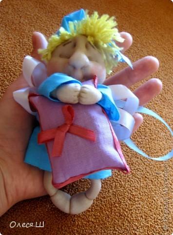 Здравствуйте! Сшила сегодня маленькую куколку ангелочка сплюшку по МК Ликмы. Получился вот такой человечек))) фото 2