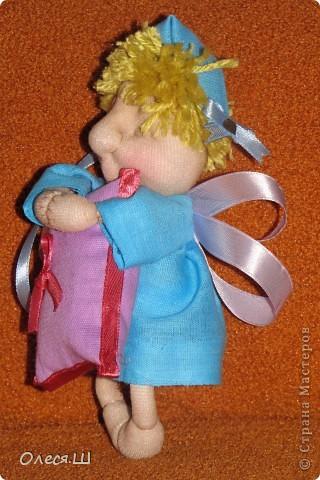 Здравствуйте! Сшила сегодня маленькую куколку ангелочка сплюшку по МК Ликмы. Получился вот такой человечек))) фото 3