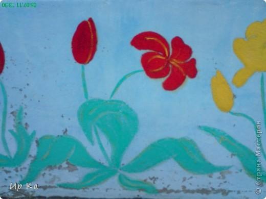 Летом остро встает вопрос оформления территории детского сада. Мне, наверное, повезло: я только обновляла, освежала уже нарисованное. Сквозь решетку на веранде виден воробей и гриб. фото 6