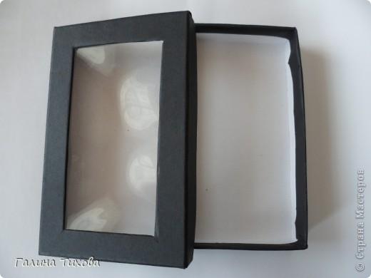 Обычную коробку можно превратить в подарочную, декорировав её фигурными  макаронами. фото 2