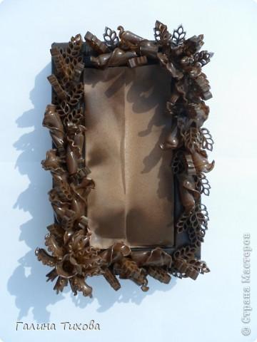 Обычную коробку можно превратить в подарочную, декорировав её фигурными макаронами.  Мастер-класс: http://masterica.maxiwebsite.ru/archives/6299#more-6299 фото 5