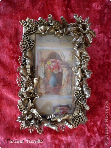Обычную коробку можно превратить в подарочную, декорировав её фигурными  макаронами. фото 7