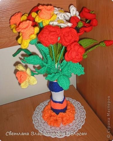 Вот такие цветочки детвора связала еще год, два назад... фото 1