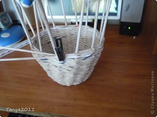 Такую корзинку можно подарить, использовать под рукоделие, косметику и другое. фото 3