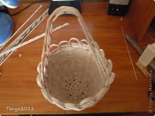 Такую корзинку можно подарить, использовать под рукоделие, косметику и другое. фото 6